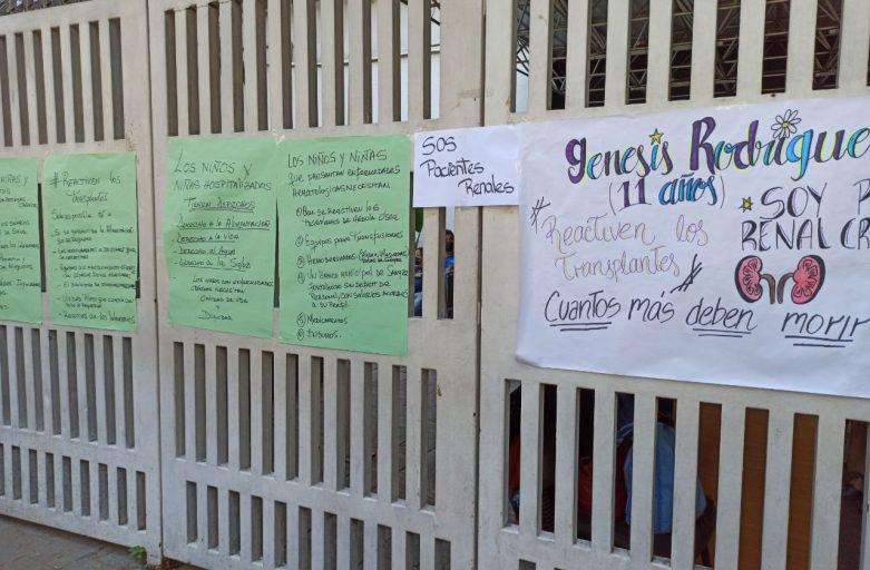 """""""¿Cuántos más deben morir?"""", lamentaron madres de pacientes del J. M. de los Ríos que esperan un trasplante"""